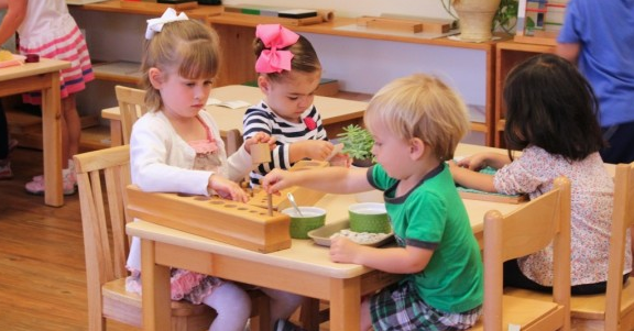 Възпитание, дисциплина и въвеждане на правила по метода Монтесори